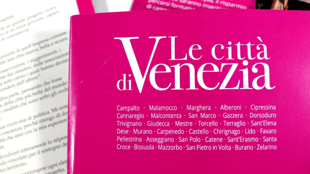 Bastava usare l'articolo plurale per meglio definire la complessità di Venezia